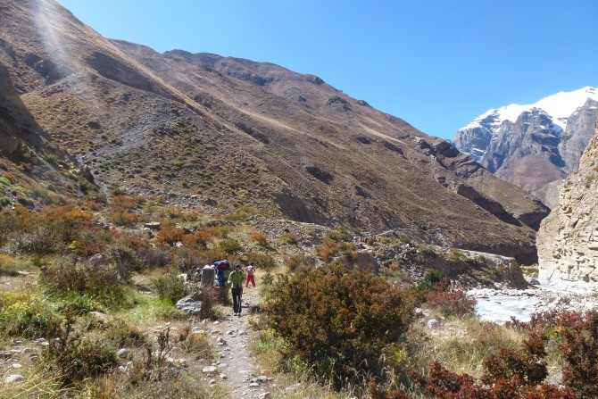 Narphu Valley Trek